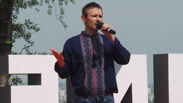 """Обнаглевший Вакарчук выплеснул на Зеленского новую порцию желчи: """"Заставим его отвечать"""""""