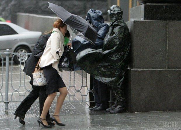 Снег и заморозки: погода снова потреплет нервы украинцам, шашлыки отменяются