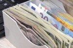 Доллар и евро опрокинули гривну: курс валют на 26 ноября