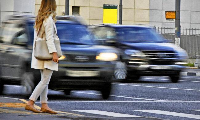 У Зеленского решили усложнить жизнь как пешеходам, так и водителям. Что изменится?