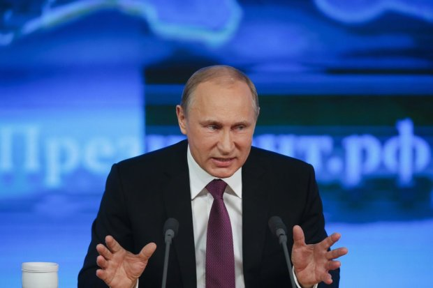 «Почему на президента нельзя надеть смирительную рубашку?» — весь мир смеется над Путиным, кремлевский карлик еще никогда не был столь нелеп