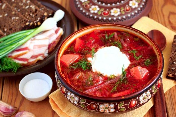 Блюдо для мажоров: цены на борщевой набор бьют рекорды, украинцы берутся за голову, скоро на столе будут только хлеб и соль