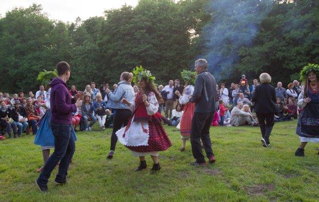 Иванов день - отмечается 23 июня