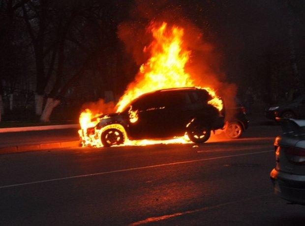 Громкое ЧП в Закарпатье: джип начальника таможни взорвали гранатой