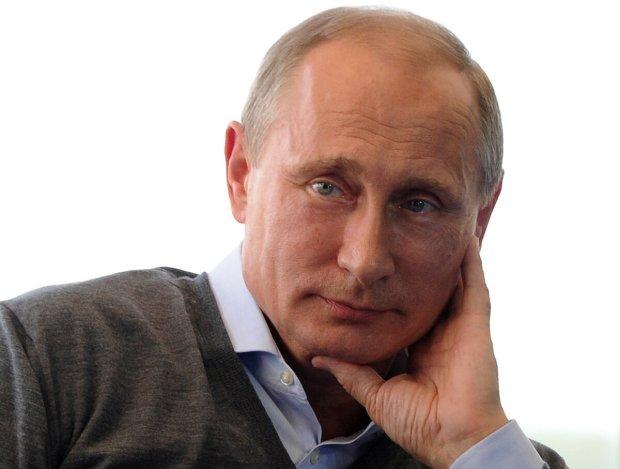 """В сети активно высмеяли новый """"облик"""" Путина: """"Натянули по полной"""""""
