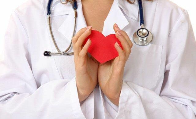 Медики назвали целительный для сердца фрукт: тело скажет спасибо