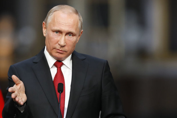 Журналистка довела Путина до заикания, над маразматиком смеется весь мир: «ее, наверное, живьем закопали»