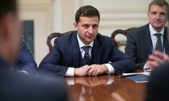Главное за день  четверга 3 октября: важное решение Зеленского, неожиданный шаг Януковича, мощный удар по России от ЕС