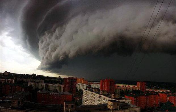 Смертоносний ураган йде до України