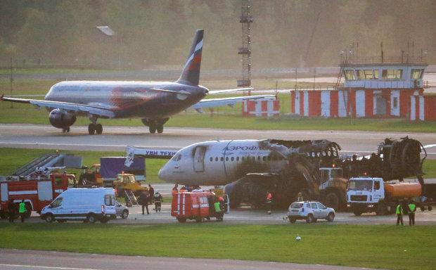"""Названа настоящая причина катастрофы в ''Шереметьево'': """"Прижимали самолет к земле"""""""