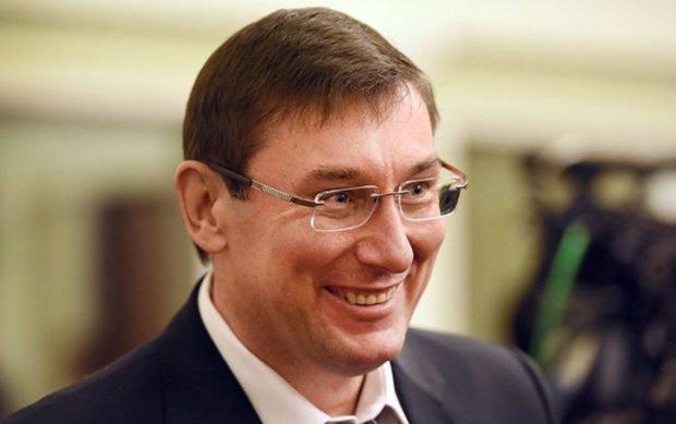 Пшонка-стайл от Луценко: хоромы генпрокурора поражают размерами и роскошью, вы будете шокированы. И это все на скромную зарплату?