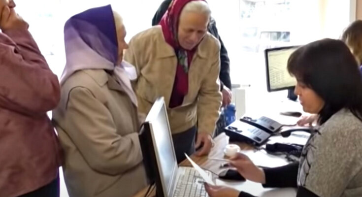 Оформление социальной помощи. Фото: скриншот YouTube-видео.