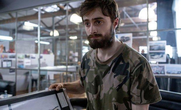 Гарри Поттера застукали в Киеве за ремонтом компьютерной техники: фото