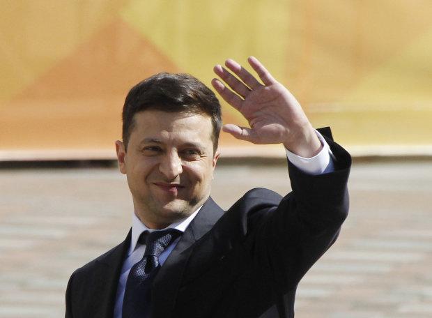 Зеленський в перший же день почав виконувати обіцянки: підписаний доленосний указ, нардепи зблідли