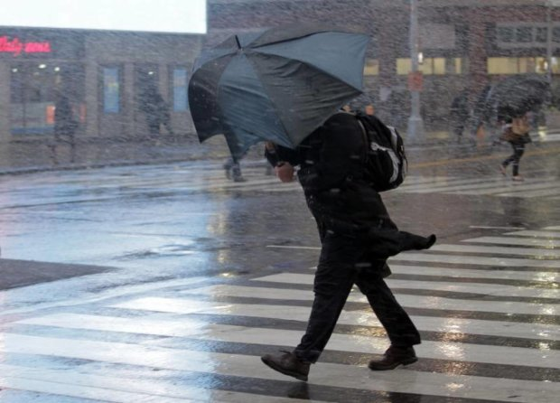 Погода 4 мая поиздевается над украинцами: выходной придется провести дома