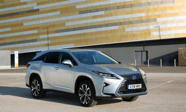 Китай порадовал новой копией элитного авто: Lexus за $30 тысяч