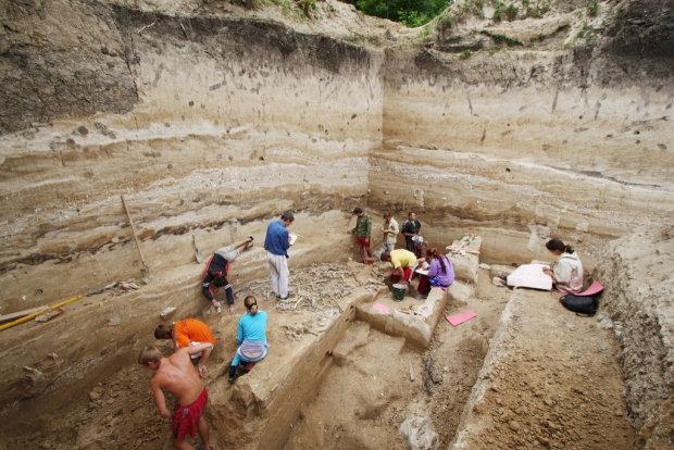 Археологи нашли 2000-летнее женское украшение