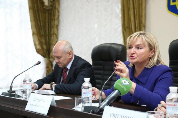 """Луценко переметнулась от Порошенко к Зеленскому и посоветовала, что делать с Верховной Радой: """"Используйте мягкое оружие"""""""