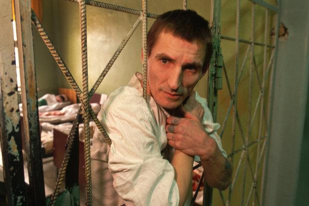 Пытки и нищета: ужасные условия содержания в украинских психбольницах!