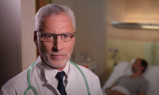 Присмотритесь к языку: медики назвали основные симптомы рака