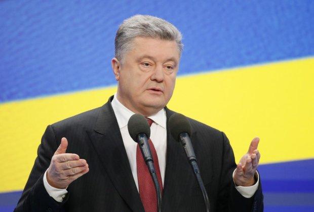 Порошенко назвал реальное количество вооружения РФ на  украинских границах, шокирующие цифры