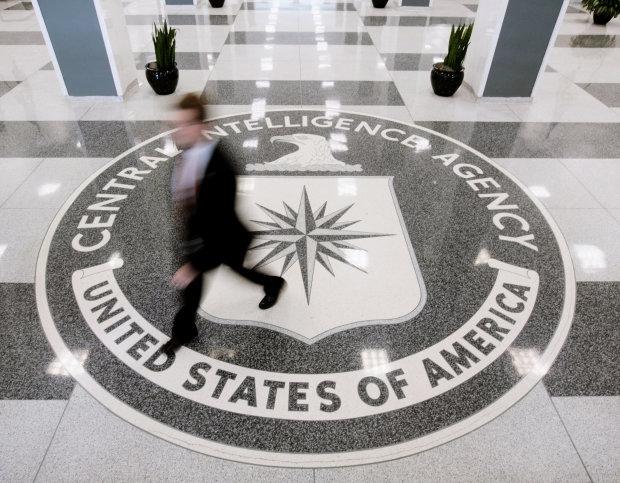 """В Украине приземлился секретный борт ЦРУ: """"уничтожат компромат"""", Кремль зашатался"""