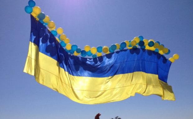 Над захваченным Донбассом подняли украинский флаг, боевики бьются в припадках истерии, конец близок