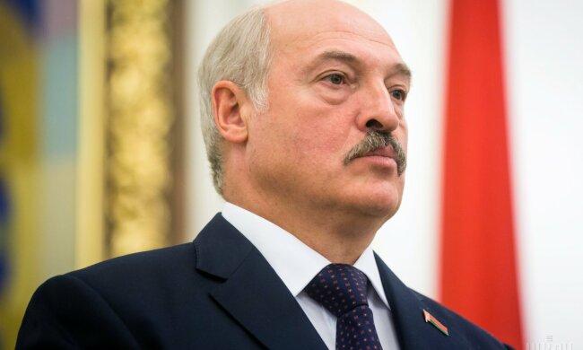 Лукашенко «плюнул» в лицо Путину резким намеком: «Под плеткой ходить не будем!»