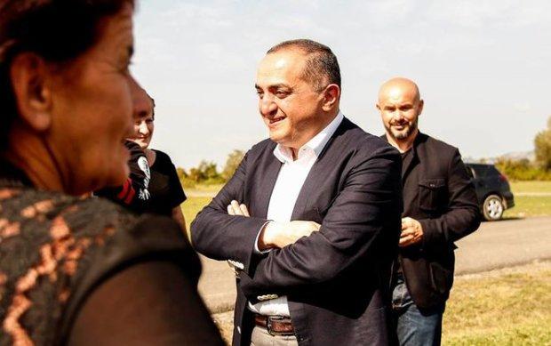 Первый пошел! В аэропорту задержали соратника Саакашвили