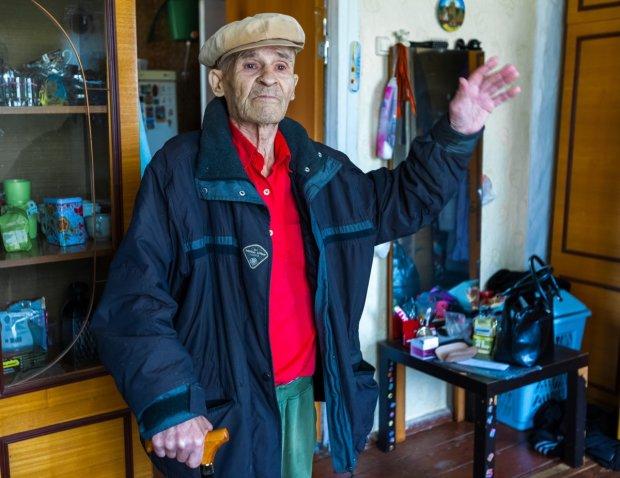 Пенсионеров лишают последнего: героя войны выбросили на улицу и заставили погибать от голода, подробности жуткой трагедии вызывают слезы