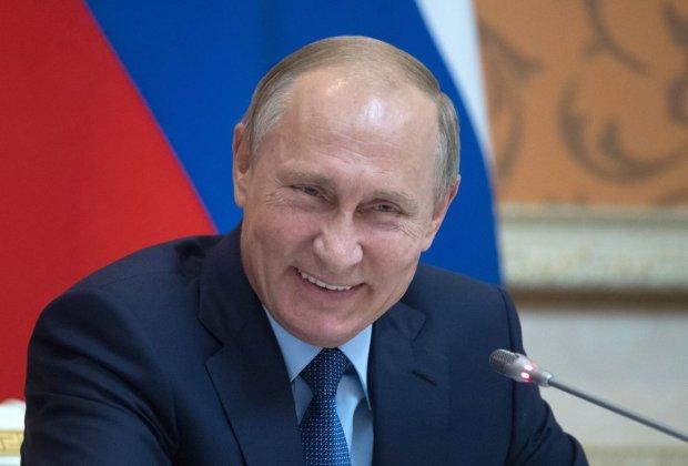 """Новый """"стиль"""" Путина покорил соцсети: """"Гопота с района, а не президент"""""""