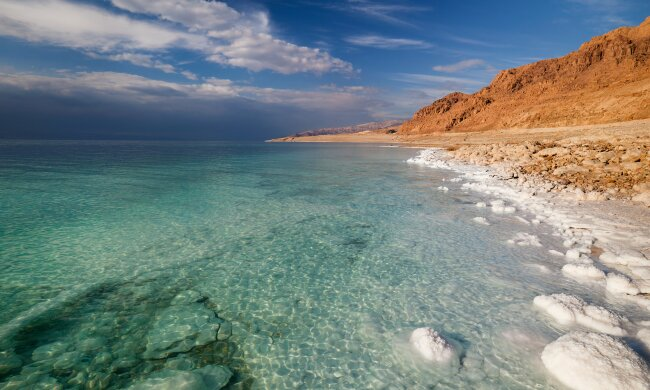 Мертвое море на грани пересыхания, миру грозит экологическая катастрофа и война за водные ресурсы