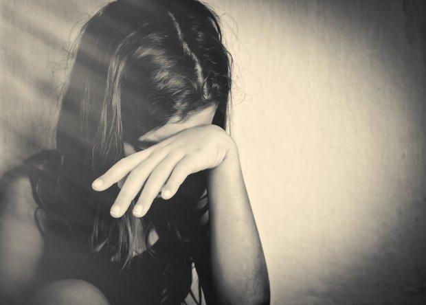 До слез: 14-летняя дочь погибшей в харьковском ДТП всю ночь искала мать по больницам