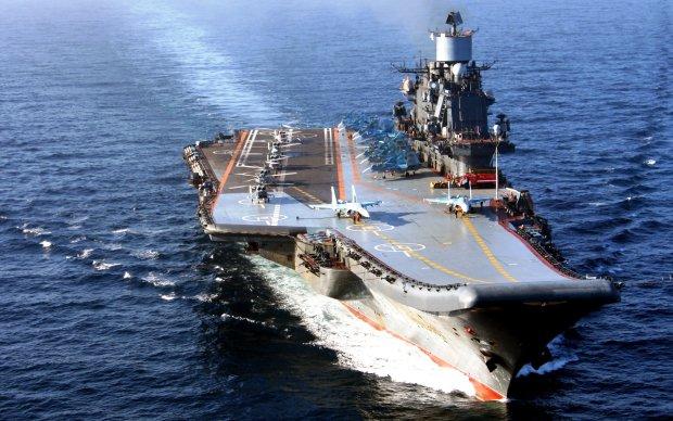 «Кузя» все: российская военная «мощь» сдулась, получила дырку в корпусе и останется ржаветь в порту