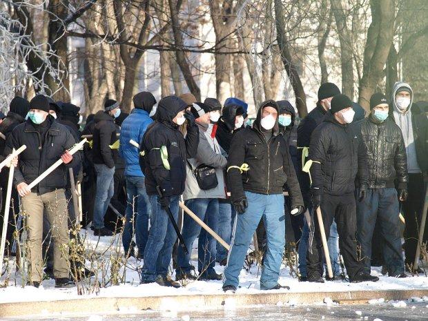 Земельные войны в Киеве: на Вышгородской титушек на месте вырубки 300 деревьев курировал правая рука застройщика Насиковского