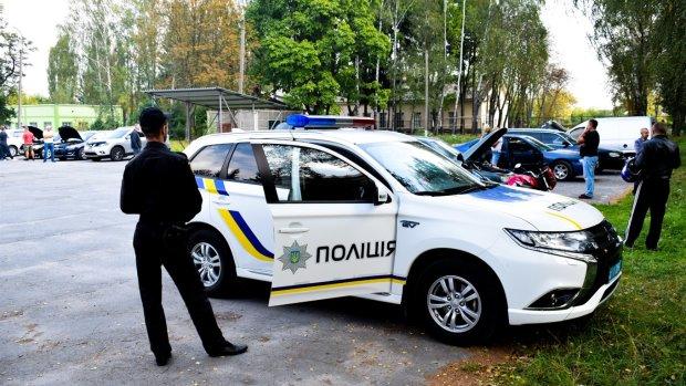 «Евробляхер», сбивший девушку на остановке, оказался полицейским: подробности