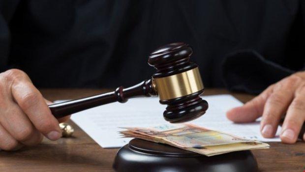 СБУ изъяла более $200 тысяч у подозреваемого в финансировании сепаратизма судьи Емельянова