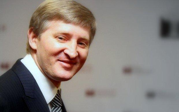 ШОК! Гангстерский счетчик: узнайте сколько киевляне должны Ахметову!