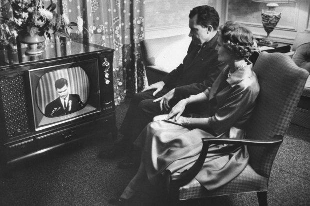 Телевизор будет привилегией богатых: с нового года ТВ станет доступным не для всех