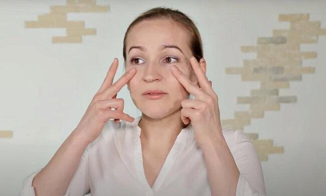 Первые морщины. Фото: скриншот YouTube-видео.