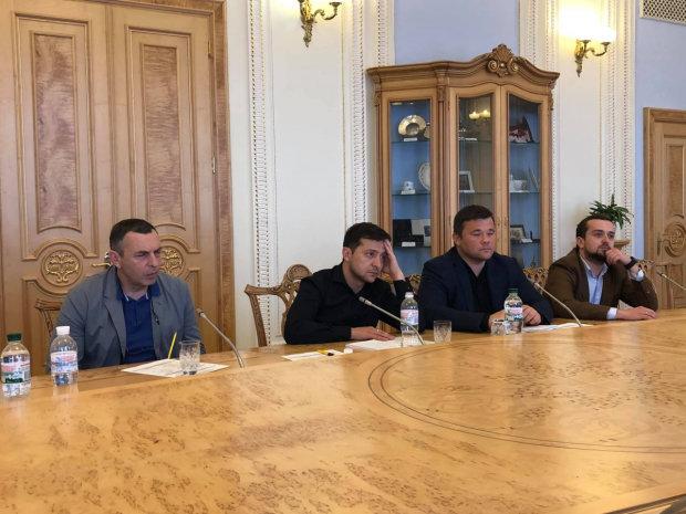 """Зеленский покорил сердце украинской топ-чиновницы: """"Предыдущие президенты были домашними насильниками"""""""