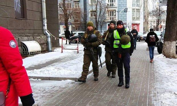 Мобилизация во всей красе! Патрульные снимают наших парней прямо с поездов метро, на улицах беспредел, украинцы в ярости