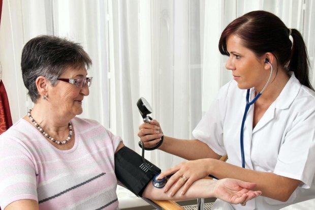 Медики рассказали, какие продукты помогут снизить давление