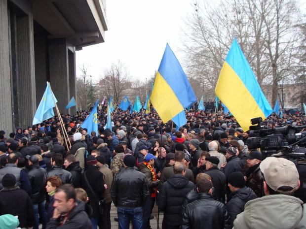 Крым захлестнули массовые акции против Путина: градус напряжения растет, фото