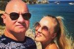 Кошевой лишился дара речи от поступка жены: прозрачный комбинезон оценила вся сеть