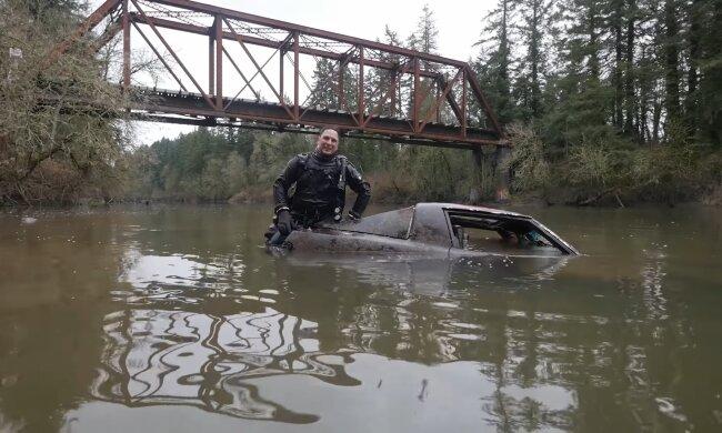 Клад на дне реки — дайверы нашли коллекцию редких автомобилей под водой