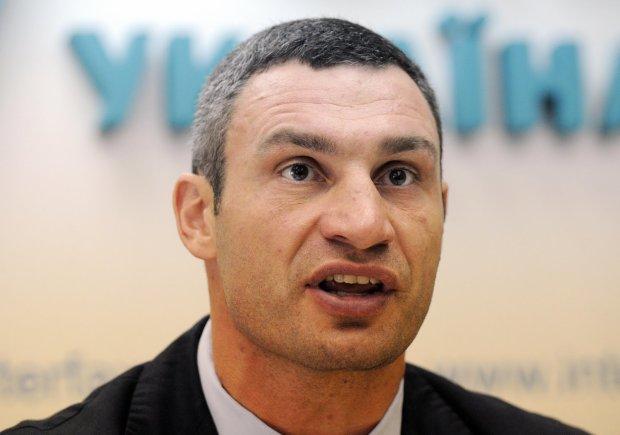 В сети напомнили, как Кличко наплевал в душу каждого украинца: «улыбнулся и тихо сказал лохи»