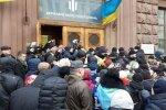 Порошенко с группой поддержки устроили вакханалию под зданием ГБР
