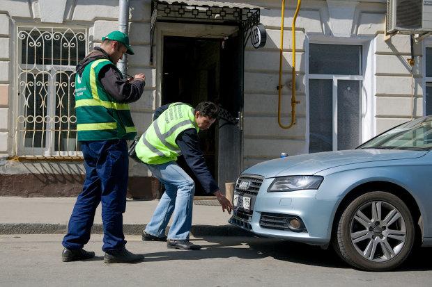 Не платишь за коммуналку - прощайся со всем! Власть придумала новый способ ободрать украинцев