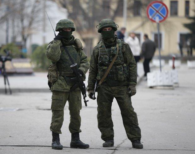 «Зеленые человечки» или «черные береты»: СМИ рассказали, кто захватывал Крым